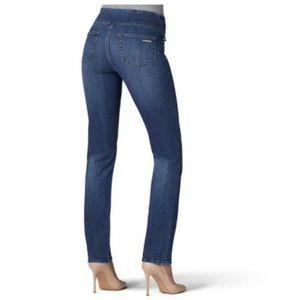 EUC Rock Republic Fever Straight leg Jeans Size 10